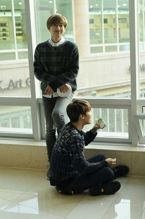 Eunhae / donghae and his juice box. XD so Kawaii