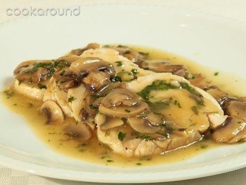 Arrotolato di tacchino con salsa ai funghi: Ricette di Cookaround | Cookaround