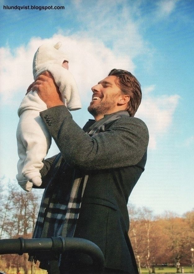 New York Ranger/King of Sweden Henrik Lundqvist with his daughter Charlize. | Community Post: 50 Adorable Pictures Of NHL Players With Kids That Are Going To Melt Your Ovaries