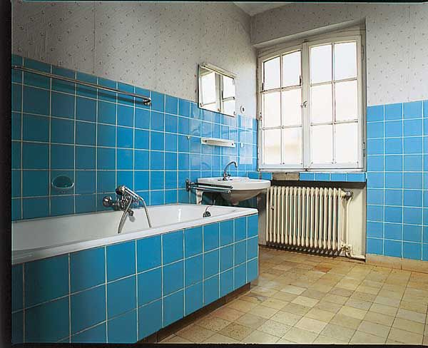 Es sind nicht einmal die Kosten allein, die uns davon abhalten, das Badezimmer neu zu gestalten. Vielmehr denkt man mit Grausen an den Schmutz und den…