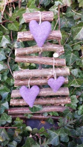Juletræ med filt hjerter