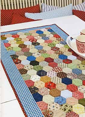 Hexagon Table Runner by Trine Bakke - ConnectingThreads.com