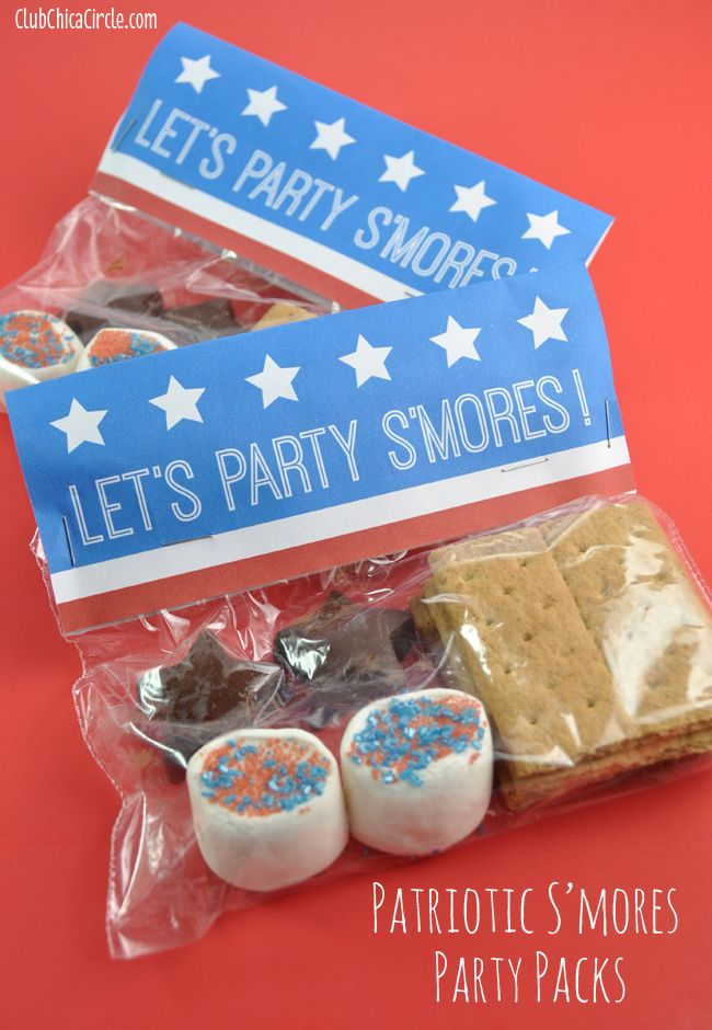 Patriotic Party Smores Packs with Free Printable  www.clubchicacircle.com  #patriotic  #smores  #july4th