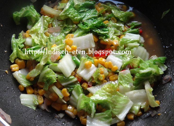 Als je hete of zoute gerechten eet met witte rijst, dan is het heerlijk om er een licht groentegerecht bij te eten, zoals tumis of sajur. ...