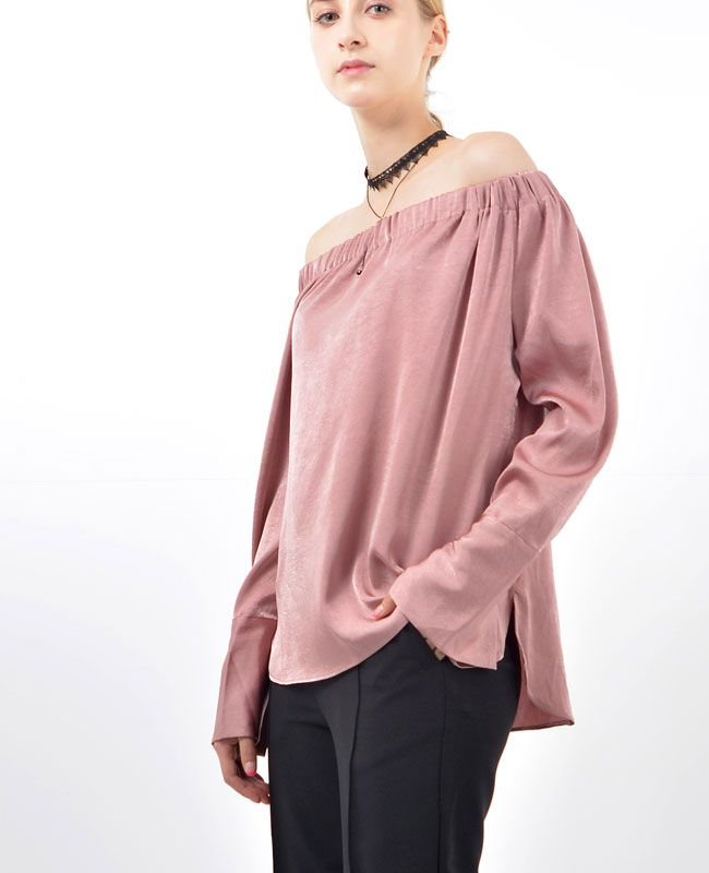 Siena Off-the-Shoulder Satin Blouse Pretty little thing ♥fashion trends online at bosroom.com #satin #satinblouse #blouse #fall #pink #offshouldertop #offshoulder #vibes
