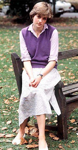 Вот уже 15 лет, как принцесса Диана ушла из жизни. Но ее до сих пор не забыли - не только в Великобритании, но и во всем мире. Едва ли можно назвать другую коронованную особу, которая пользовалась бы таким обожанием, как Диана Спенсер.