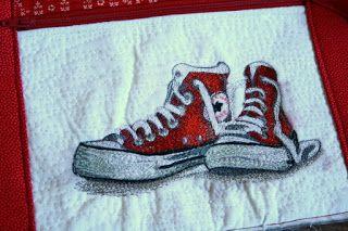 Szilvi foltvarró blogja: Patchwork sporttáska tűvel festett tornacipővel