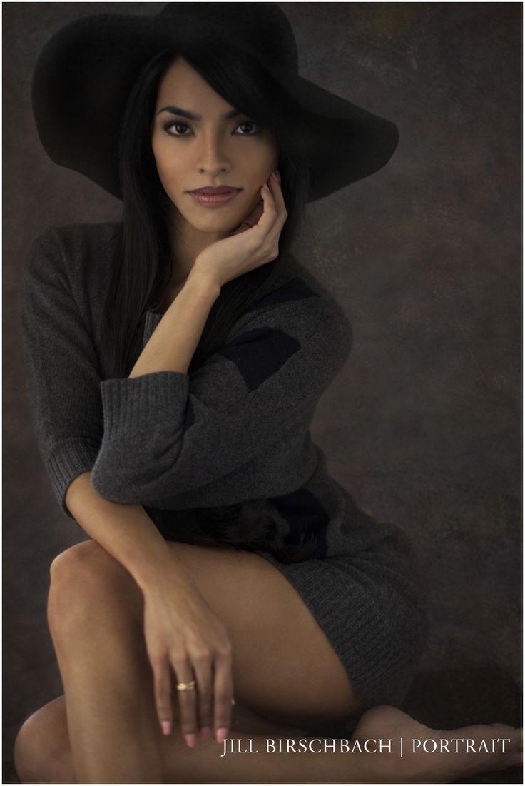 Pose.  Jill Birschbach | Portrait Modern Glamour Photography