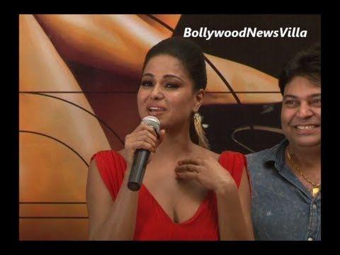 Veena Malik AVOIDS question regarding her ex boyfriend Ashmit Patel.