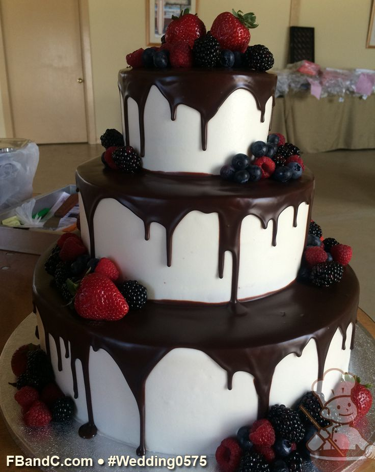 chocolate ganache drip wedding cake 218 best images about buttercream wedding cakes on 12710