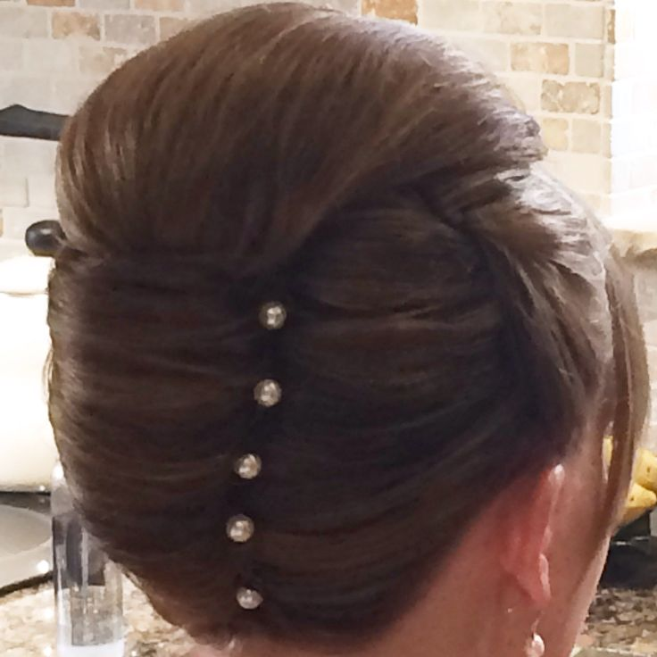 Vertical Roll Wedding Hair Hairstyles Pinterest Hair Style Victory Rolls And French Twists