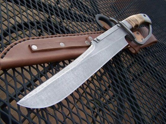 Primitive D - Guard Bowie Knife