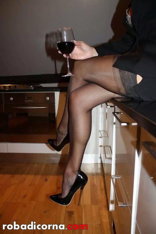 Fare sesso per capodanno è ormai diventata una tradizione consolidata non soltanto per le coppie di marito e moglie ma anche per le coppie clandestine.