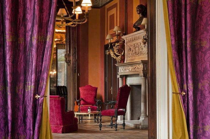 The #style, the #decor, the explosion of #colors of #SalaCamino at our #Bellini #Bar located in #Villa #Roccabruna. @Interiordesign!