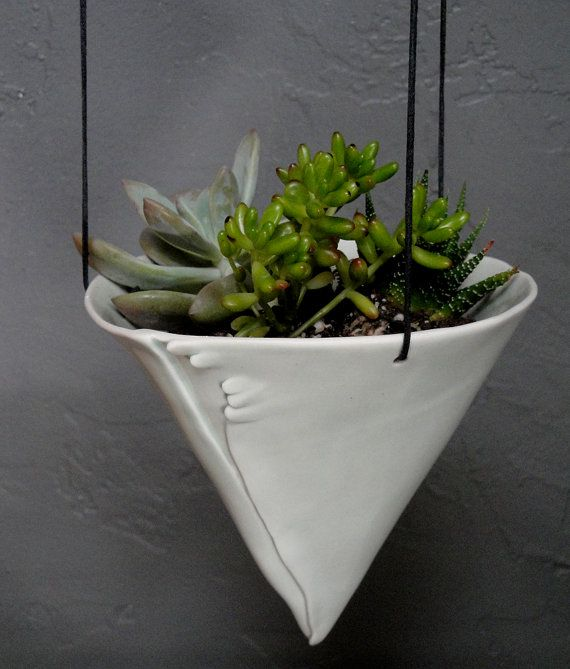 Lovely alternative to those regular baskets for your porch #etsy