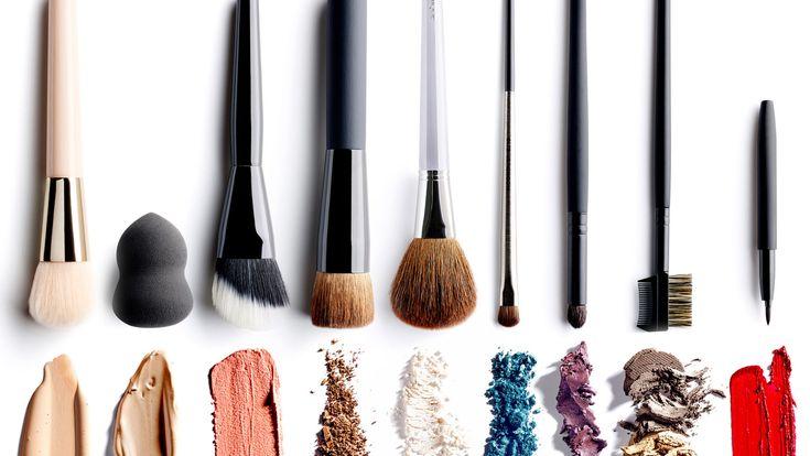 Welke make-uptools gebruik je het best om make-up aan te brengen? Een penseel, een kwast een sponsje of een beauty blender? #iciparisxl