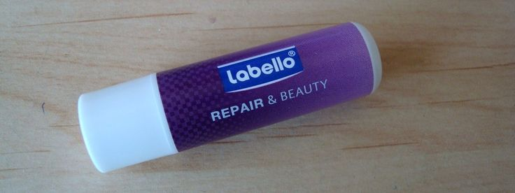 Schrale droge lippen van Labello