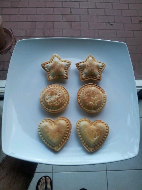 188 best images about cake pops on pinterest for Best mini pie maker