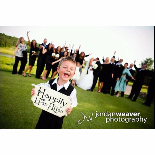 Great wedding photography idea! Dana this would be cute for your nephew to do.