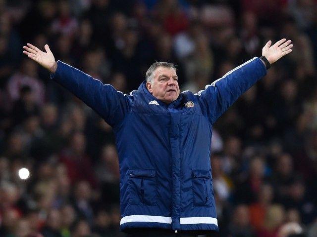 Jermain Defoe backs Sunderland boss Sam Allardyce to become England manager