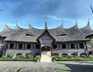 Jakarta, Taman Mini Indonesia Indah