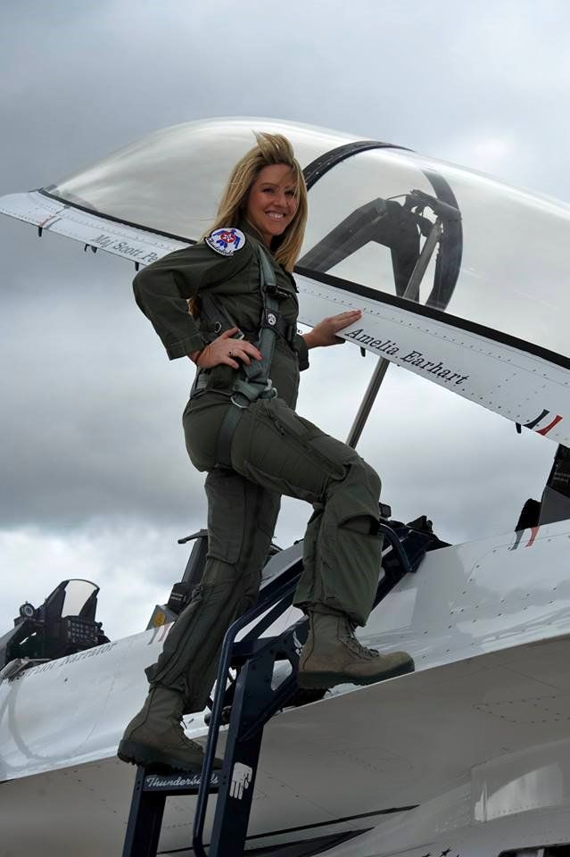 Thunderbirds Women Pilot And Engaged In The Flight