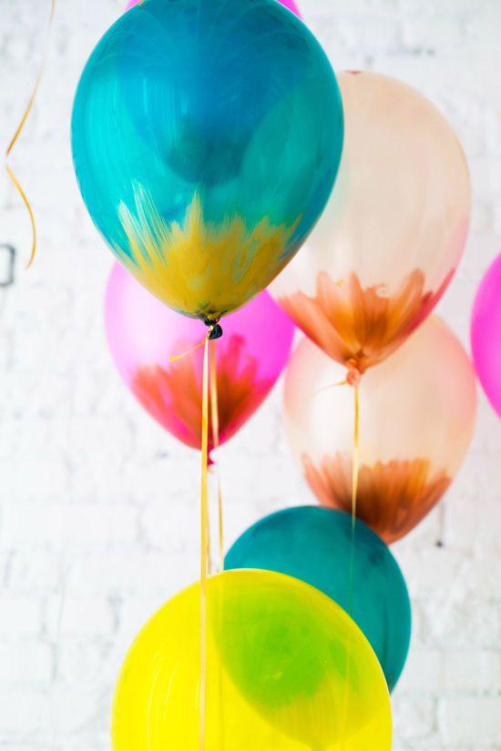 DIY Metallic Brush Stroke Balloons