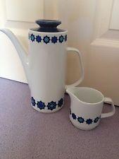 J&G Meakin Vintage Coffee Pot And Milk Jug Blue White Retro Excellent Condition!
