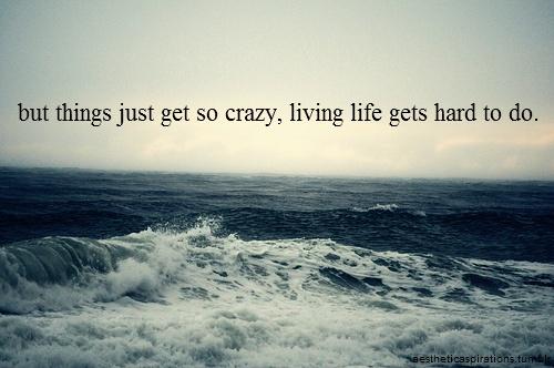 """Las cosas se pusieron dificiles, vivir la vida no es facil -  """"Sunday Morning"""" - Maroon 5"""