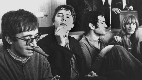 Thorwald Proll, Horst Söhnlein, Andreas Baader und Gudrun Ensslin vor der Urteilsverkündung wegen Brandstiftung (1968)