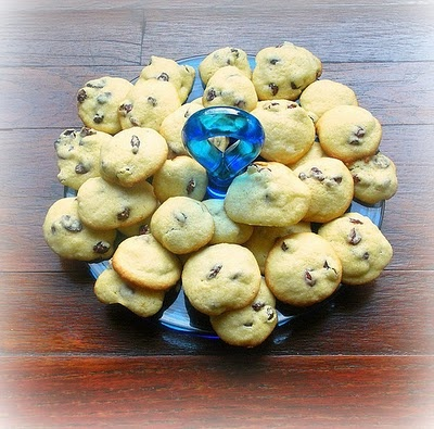 Persian Raisin Cookies (Shirini Keshmeshi)