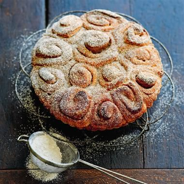 Step by step to making cinnamon rolls. Cinnamon rolls are a great complement to your morning coffee and ideal for sharing.
