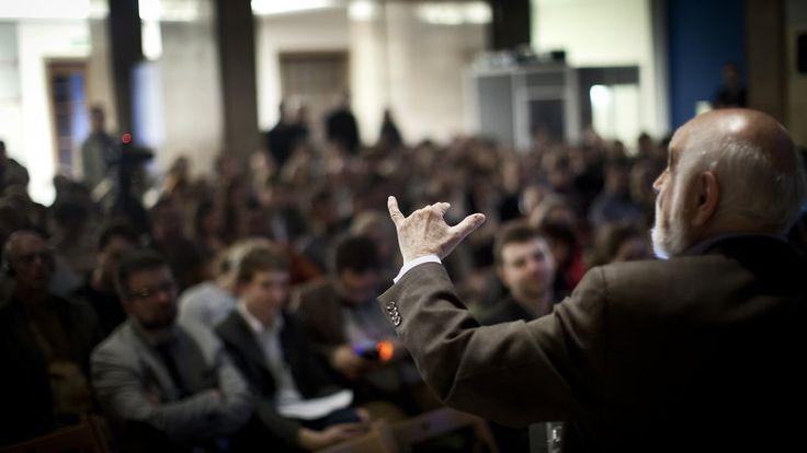 Prof. Michael Arbib prowadzi wykład podczas Festiwalu Copernicus. Kraków, 8 maja 2014 r. Neurony i duch: prof. Michael Arbib na Festiwalu Copernicus