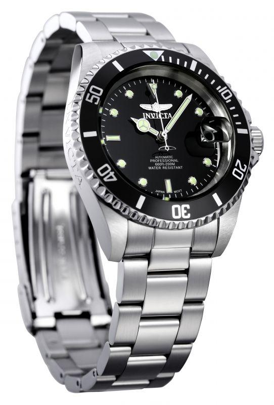Invicta Pro Diver 8926OB, un reloj automático, fechador y resistencia al agua de 20 atms.