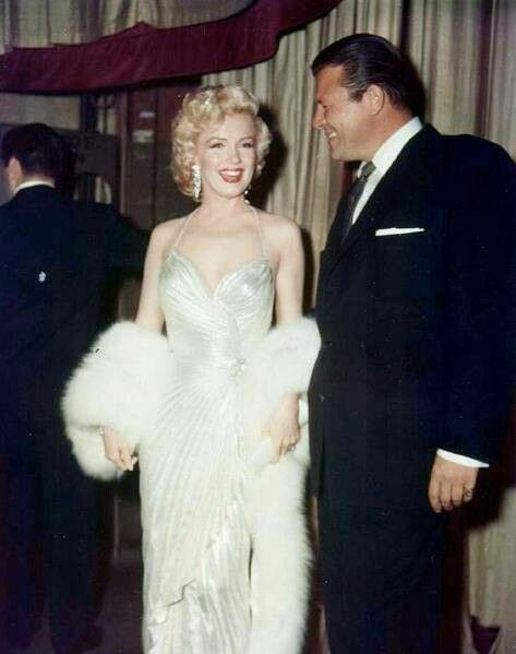 ❤Marilyn Monroe ~*❥*~❤ with  who looks like Jack Carson?