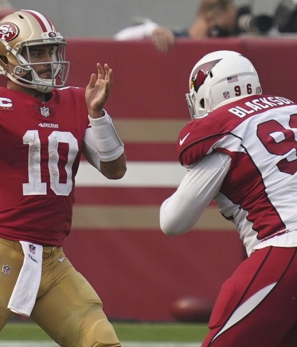Kyle Shanahan Says Jimmy Garoppolo Offense Have To Play Better After 49ers Loss To Cardinals 49ers Quarterback Football Helmets Usa Today Sports