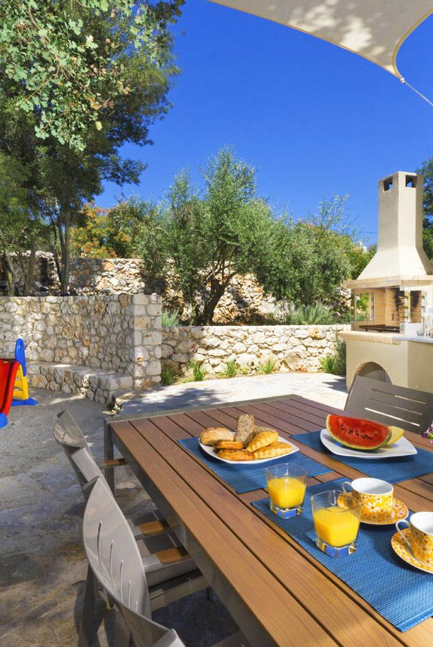 Villa Ariti in Litsarda, Chania #crete #TheHotelgr #travel #villa #family #vacation
