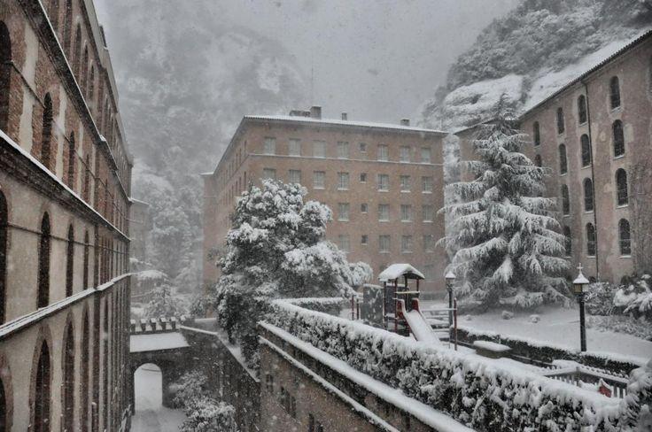Montserrat, nevat (4 de febrer de 2015) | Catalunya - Catalonia