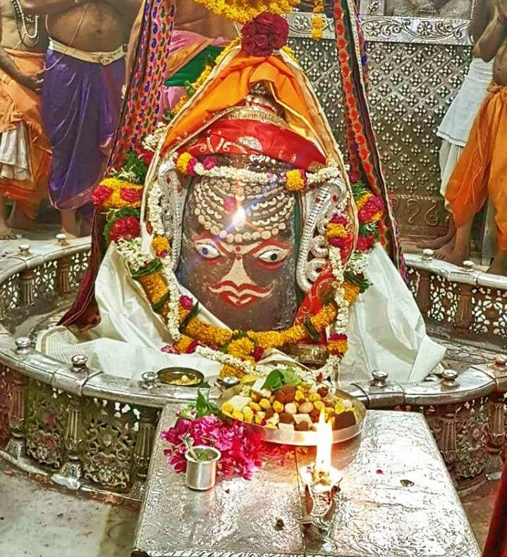 #Bhasma #Aarti pic of Shree #Mahakal #Ujjain - Apr. 27             . . . Follow our FB page: www.facebook.com/ujjaintravel   . . . #शिव #उज्जैन #महाकाल #ॐ #mahakal#mahakalcity #ujjain #loveujjain #ujjaindiaries#Mahakaleshwar #shiv #shivratri #shiva#omnamahshivay #bholenath #jaimahakal#jaibholenath #harharmahadev #mahadev #travel#tourism #MPTourism #ujjain_travel #temple
