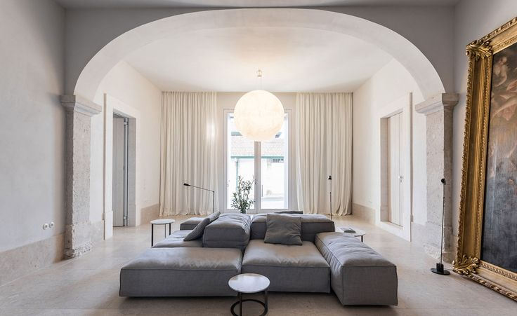 <p>Housed atop a hill in the center of Lisbon, Santa Clara 1728 which belong to hotelier João Rodrigues, is one of the most romantic and quiet place of the city, surrounded by monuments and a park off