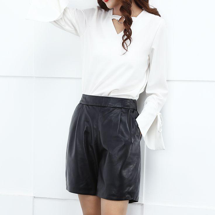 Kurze Shorts auf jugendlich Frauen