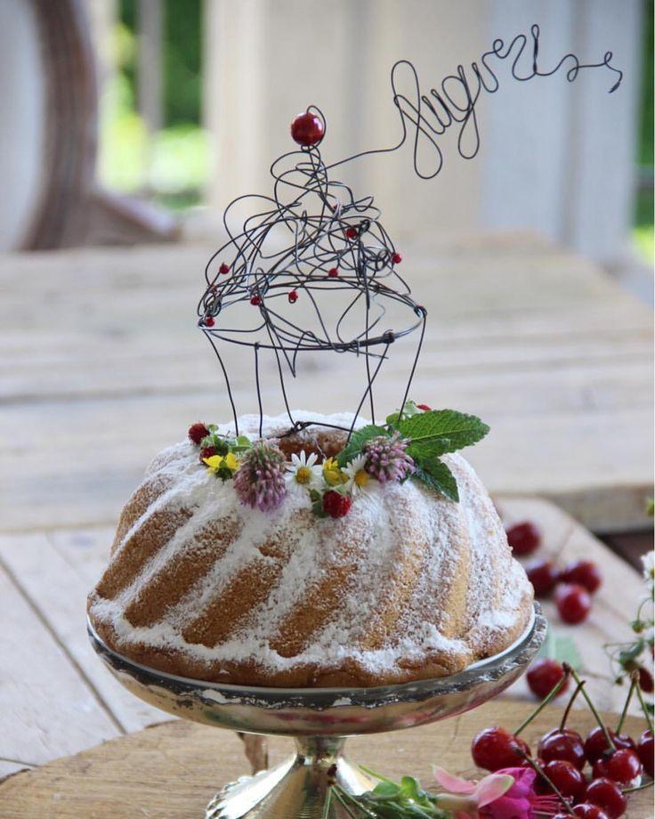 Wire cupcake caketopper