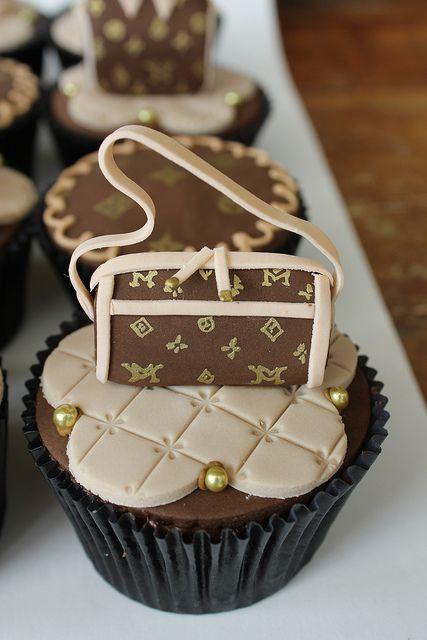 <3 Luis Vuitton #cupcakes
