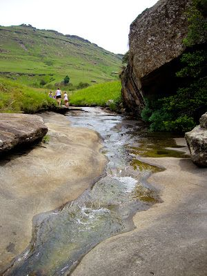 http://kimssouthafrica.blogspot.co.za/2012/02/highmoor-nature-reserve-pass-kamberg.html