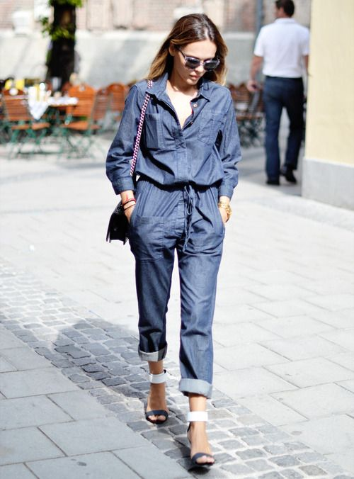 : Jumpsuits Trends, Denim Jumpers, Denim Romper, Street Style, Jeans, Chambray Jumpsuits, Girls Fashion, Fashion Trends, Denim Jumpsuits