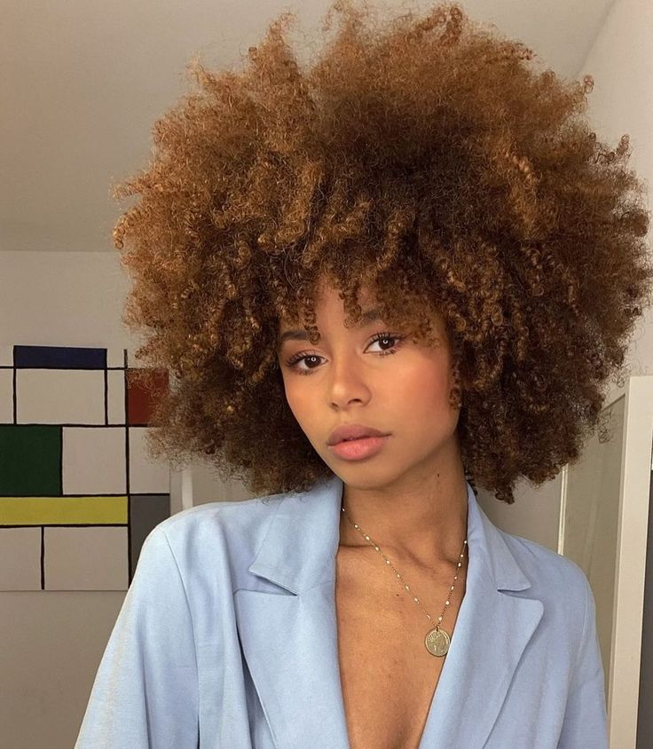 """ZOË FOSTER on Instagram: """"And an another one 😬🤫 . . . . . . #curlynaturalhair #curlyhairst… in 2021   Natural hair styles, Curly hair styles, Curly hair styles naturally"""
