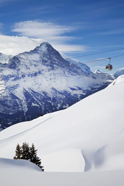 Berner Oberland, Switzerland Gavin Hellier/Jon Arnold Images