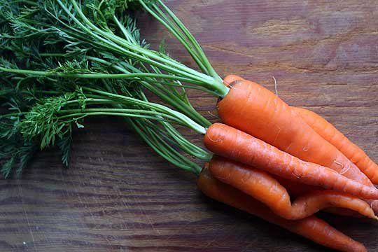Can You Eat Carrot Tops?