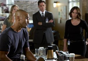 "Jennifer Love Hewitt's ""Fearless"" Agent and a Jane Lynch Return? 7 Teases for Criminal Minds Season 10"