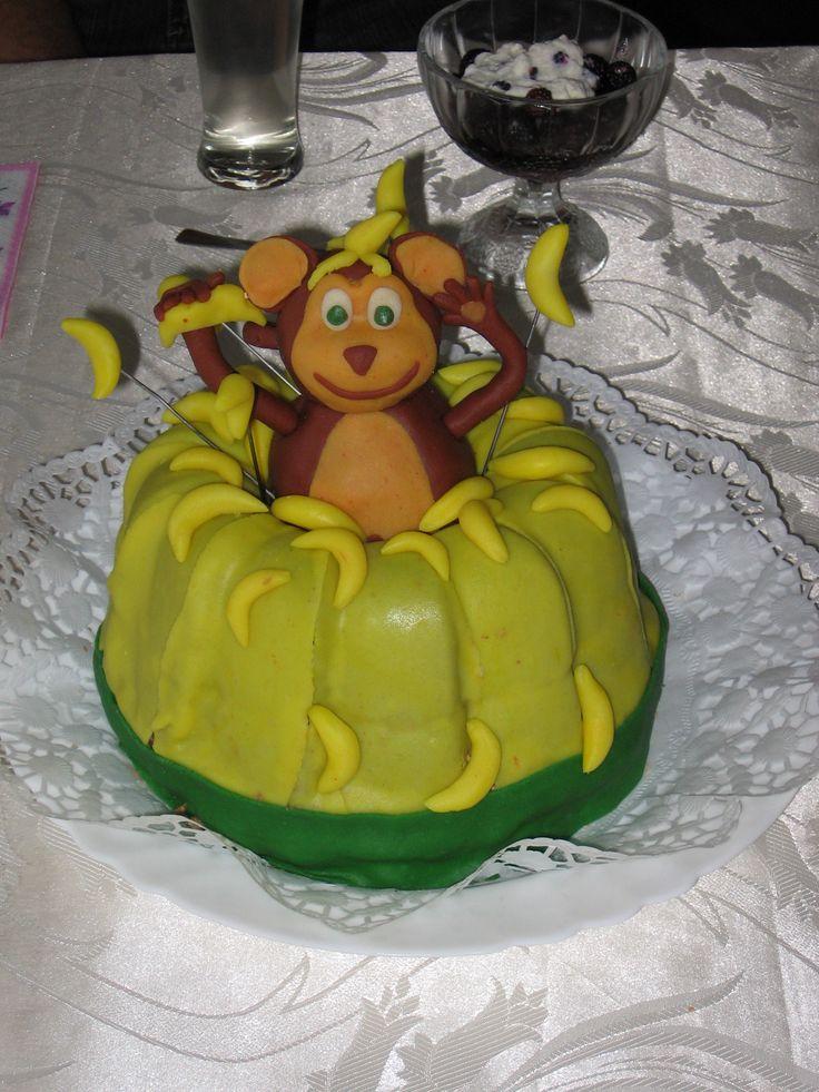 Opice v hromadě banánů